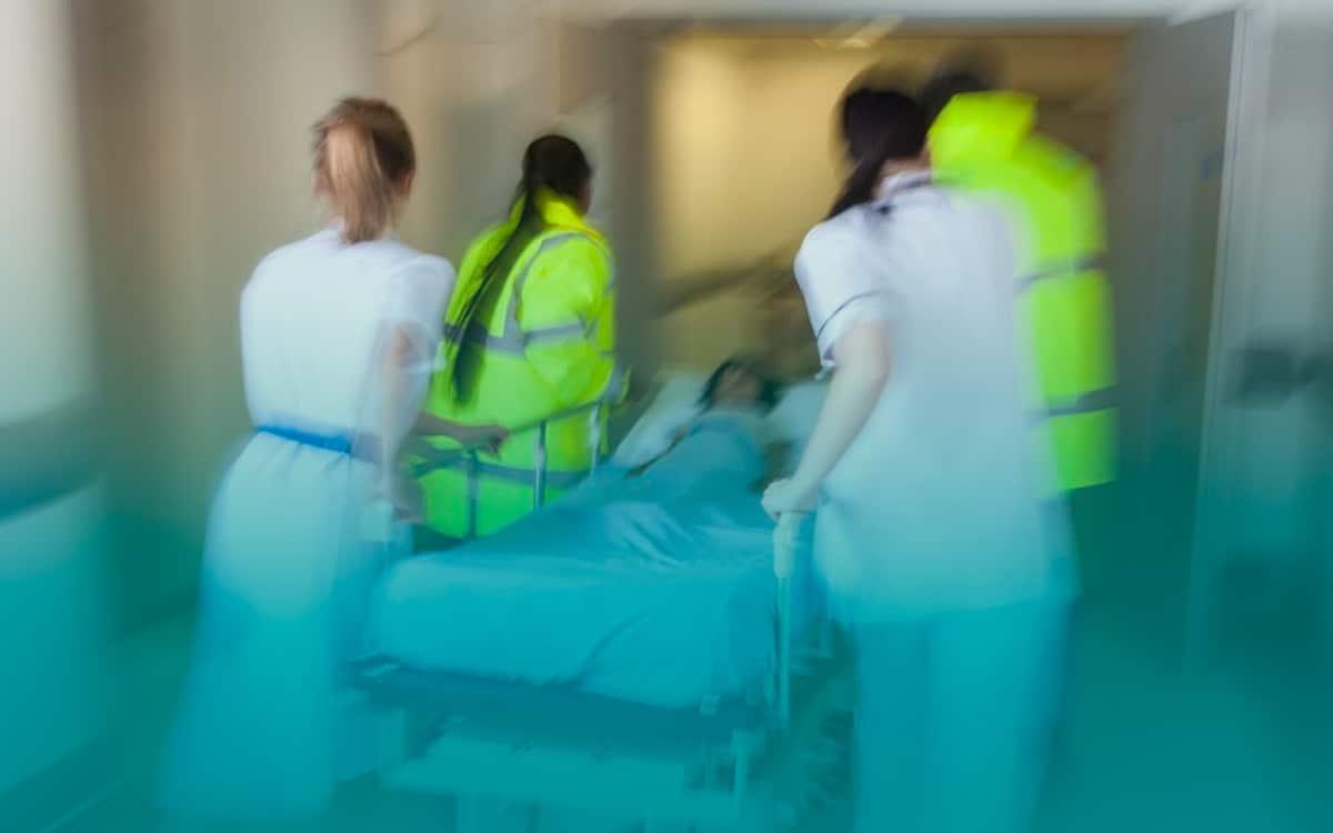 Enfermagem-em-Emergências-e-Cuidados-Intensivos
