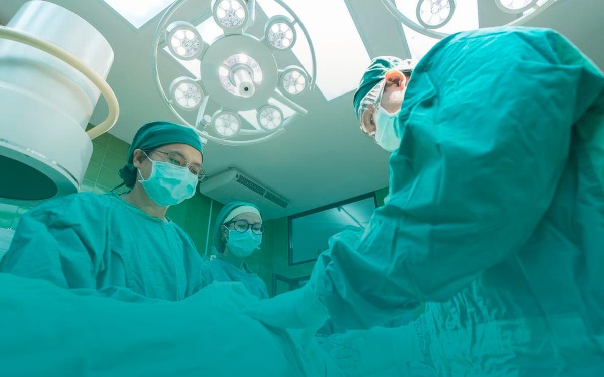 Enfermagem-em-Centro-Cirúrgico,-Recuperação-Anestésica-e-Centro-de-Materiais-Estéreis